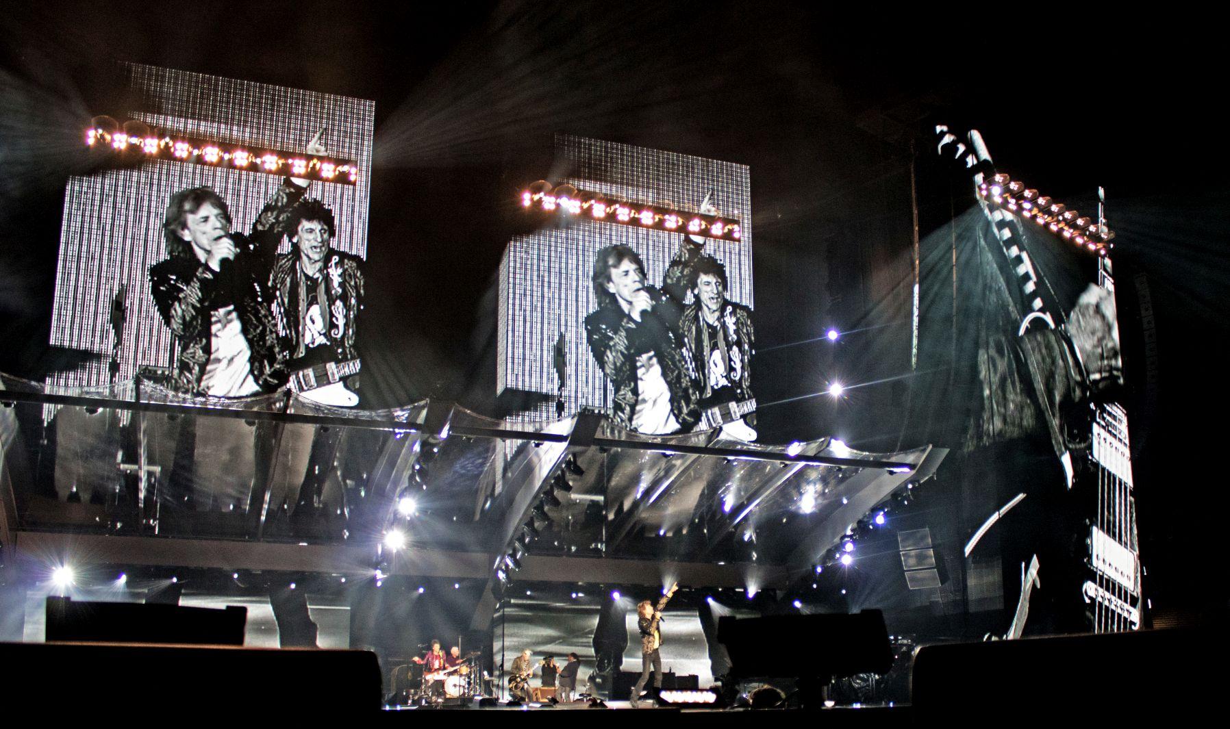 Mick Jagger und Band von The Rolling Stones bei einem Konzert im Olympiastadion München